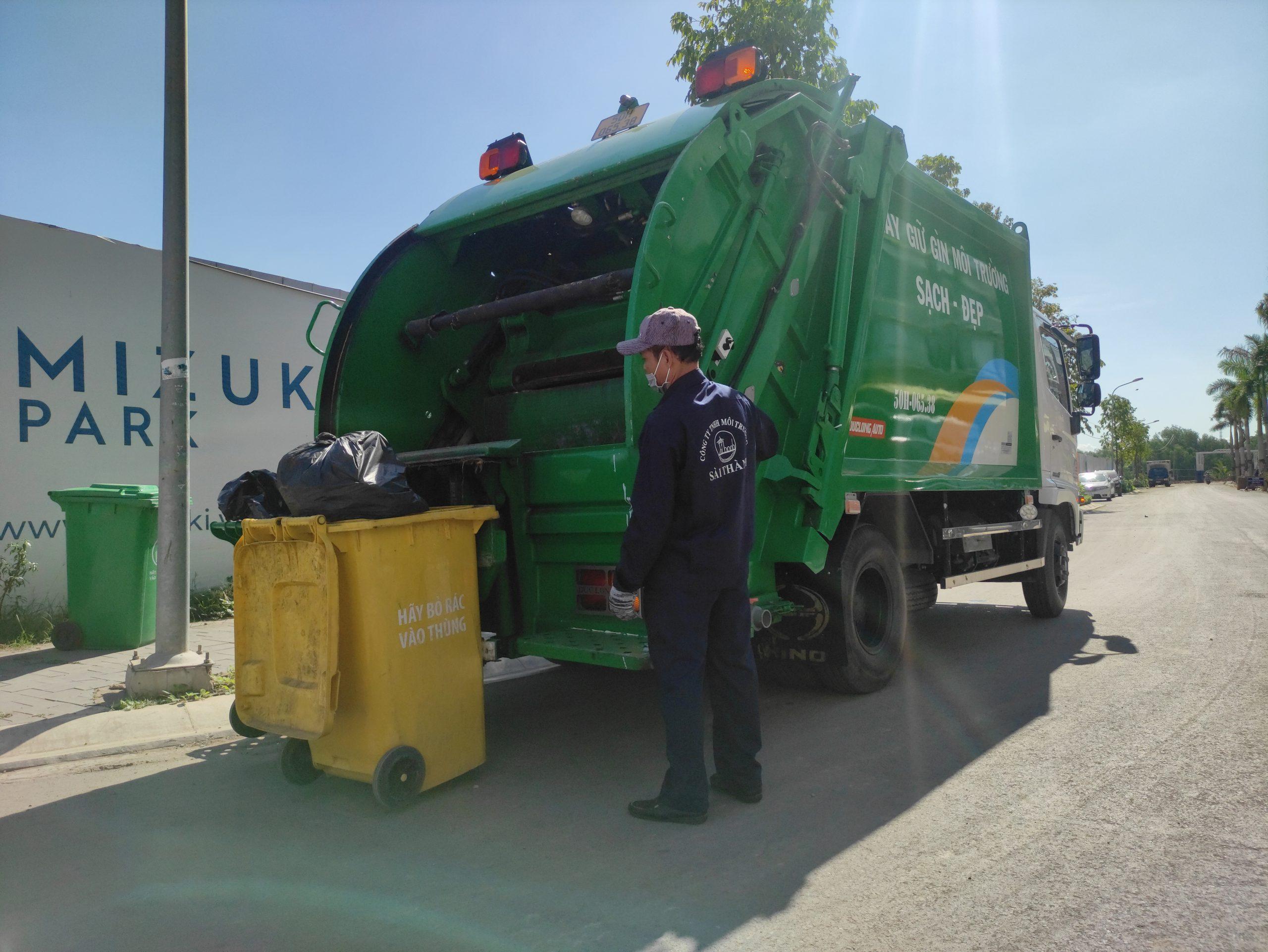 Thu gom rác sinh hoạt tại công trình xây dựng