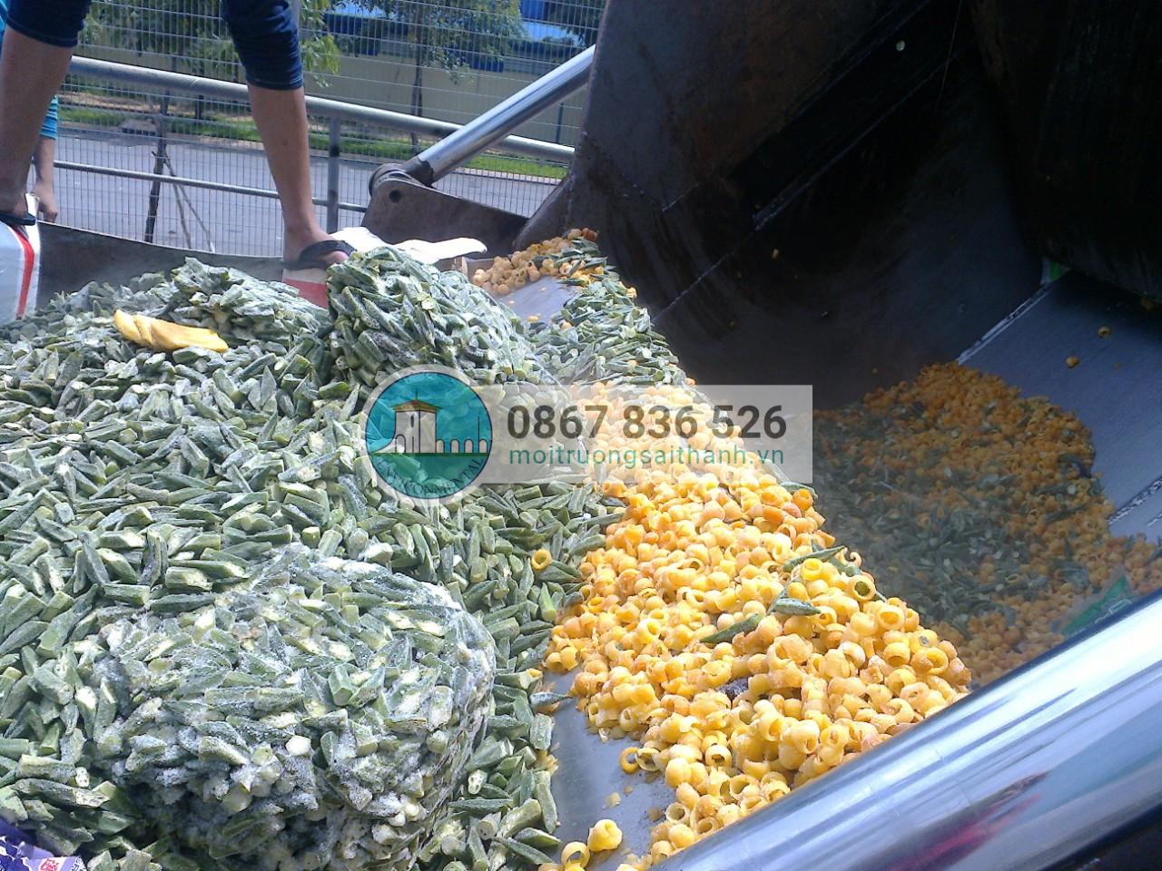 Tiêu hủy lô hàng thực phẩm hết hạn sử dụng