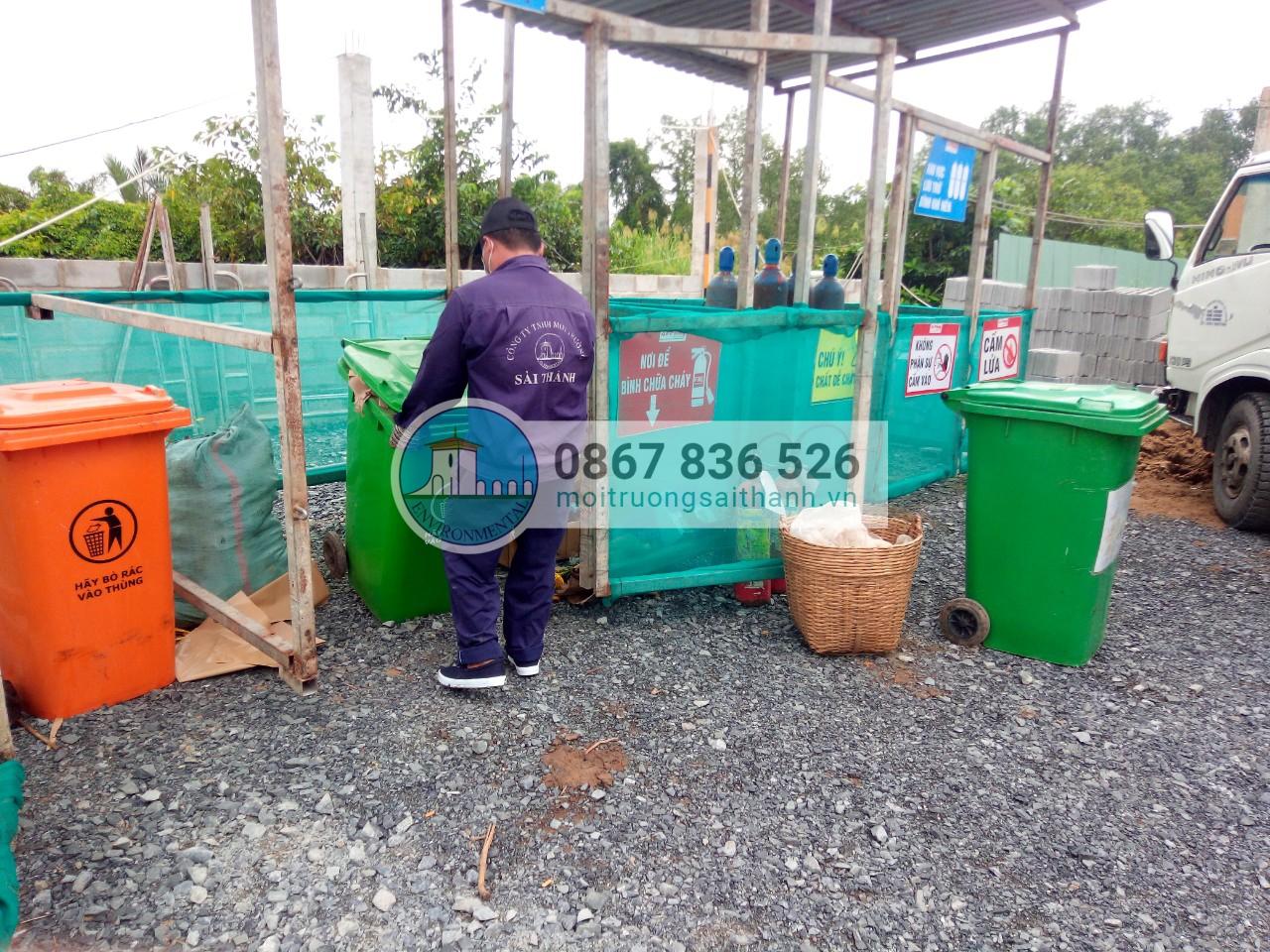 Thu gom rác sinh hoạt tại công trình xây dựng An Phong